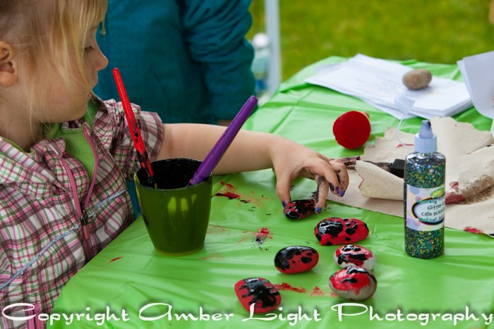Ladybug Rock Craft at Earth Day by Amber Light Photography - April 20, 2013
